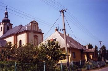 Kirche in Röwersdorf (Tremesná), 2000.